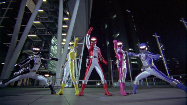 Rumbling Squadron Boukenger: Quietly Scrubbing… Something